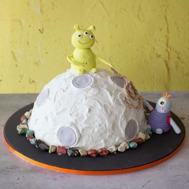 Space Alien Celebration Cake