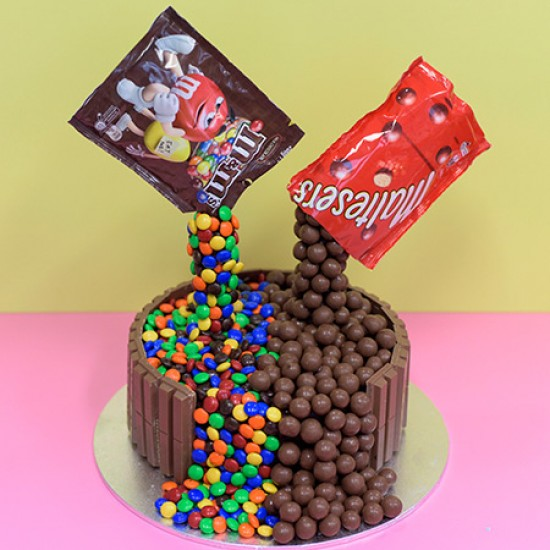 chocolate fountain custom birthday cake
