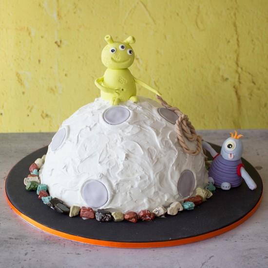 Terrific Space Alien Celebration Cake Funny Birthday Cards Online Elaedamsfinfo
