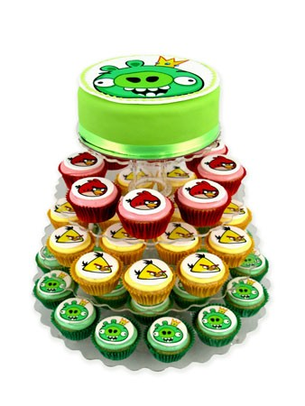 King Pig cupcake cake