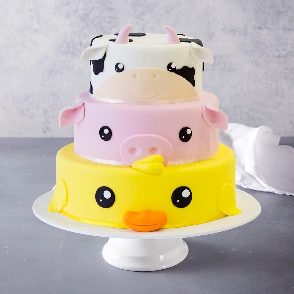 Cute Farmyard Animals Birthday Cake