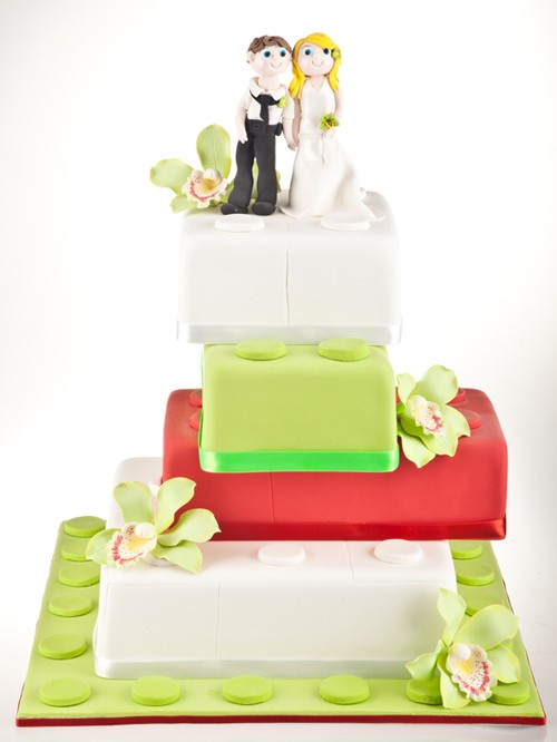 Blockl Love Wedding Cake