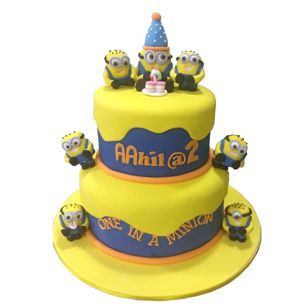 in a Minion Birthday Cake