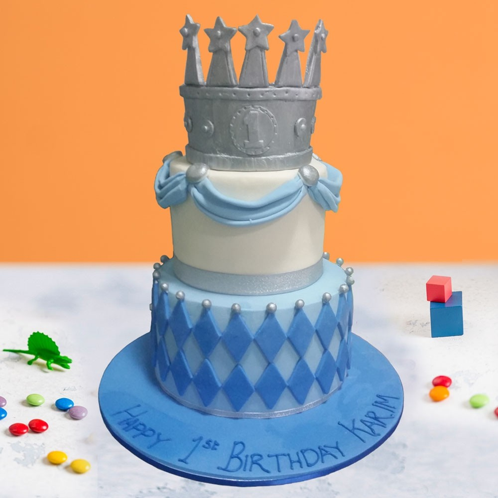 A Royal Birthday Cake