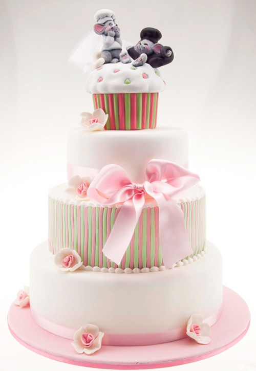 Squeaky Love Wedding Cake