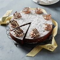 Large Flourless Chocolate Cake