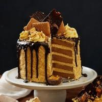 Golden Gaytime Drip Cake