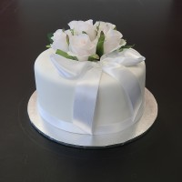 Simply Gorgeous Budget Birthday Cake
