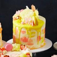 Mother's Day Magnifique Drip Cake - Red Velvet