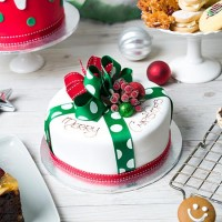 Iced Parcel Cake - Small Round