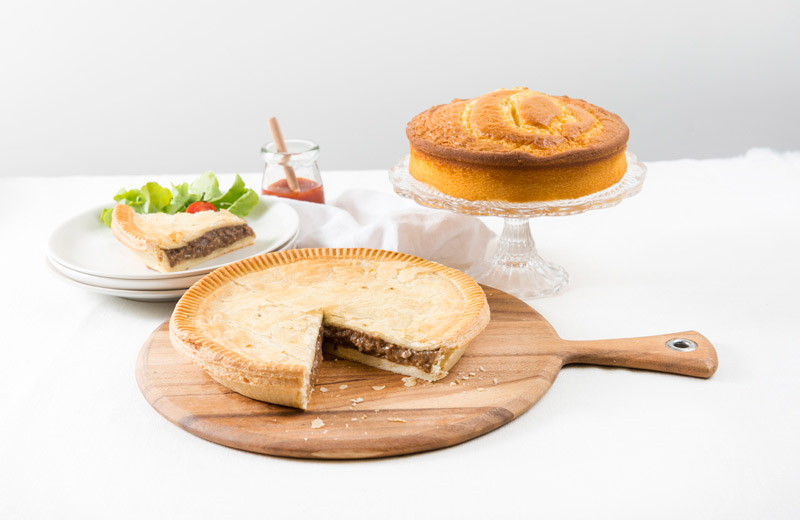 A family meat pie and cake - The perfect combination